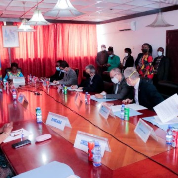 Marie Tumba Nzeza et les ambassadeurs