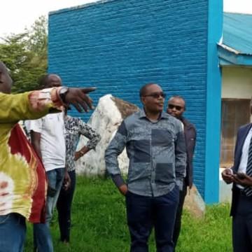Théo Ngwabidje organise l'accueil des déplacés