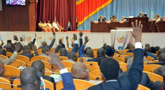 RDC-État de siège : les FARDC et la police soutenus par les députés des 26 provinces à l'Assemblée nationale