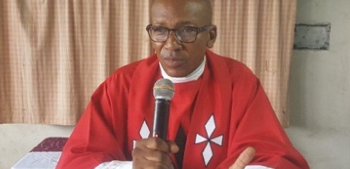 Les anciens de l'IFAD honorent l'abbé Eyenga Emmanuel