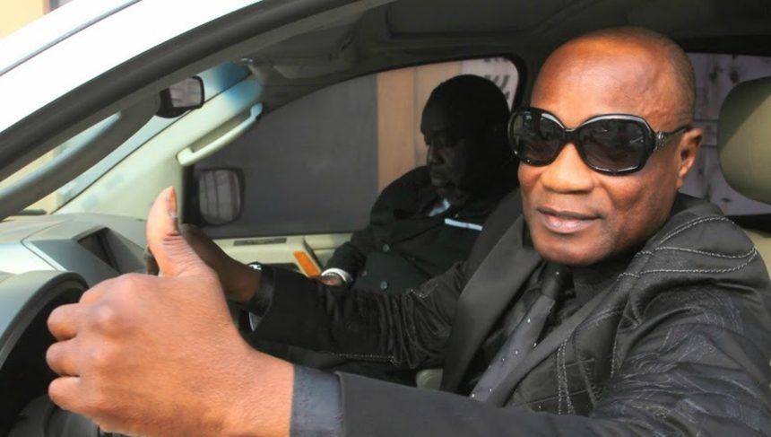 Koffi Olomide brièvement interpellé à Kinshasa