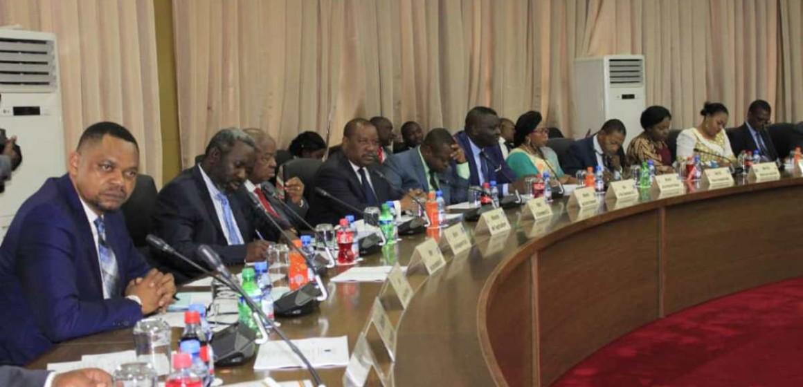 Gratuité de l'enseignement, Ebola, loi de finances publiques et Bons du trésor au conseil des ministres