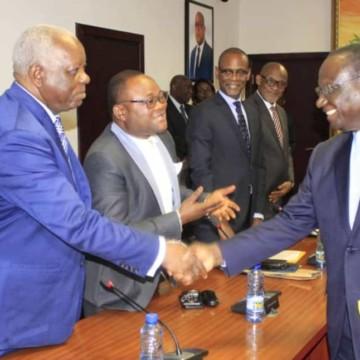 Députés et sénateurs du Kongo central appellent à la reprise du travail à la CVM