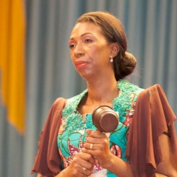 Une motion de défiance se prépare en coulisse contre  Jeanine Mabunda