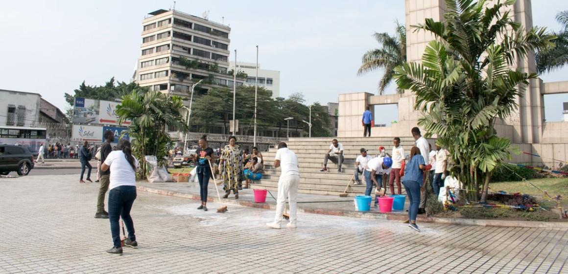 Ngobila: Kin bopeto d'abord, croisade catholique après !