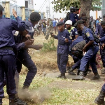 Un malade mental présumé tue deux policiers à Kinshasa