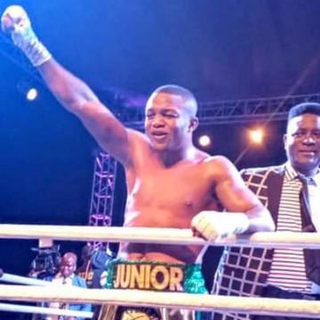 Junior Ilunga Makabu, champion du monde WBC golden!
