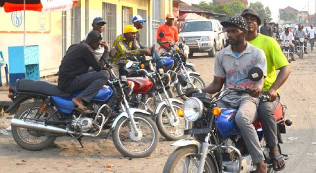 Début ce lundi de l'identification des motocyclistes à Kinshasa