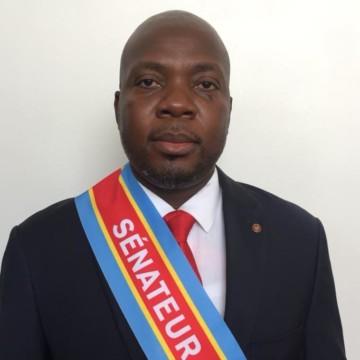 Le Sénateur Jean Bakomito salue l'Etat d'urgence sanitaire proclamé par le président et appelle le gouvernement à suspendre son programme avec le FMI
