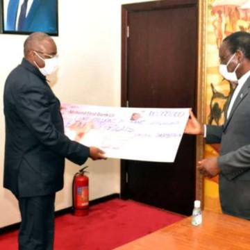Afriland Bank offre Cent millions de Fc au gouvernement Ilunkamba