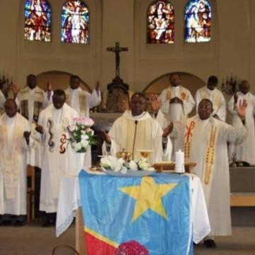 Kananga : Le vicaire de la paroisse Gabriel Tshikula arrêté pour non respect des mesures de prévention au Covid-19