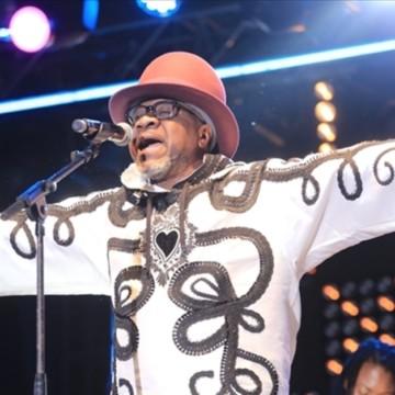 """Hommage à Papa Wemba : 4 ans déjà depuis que le """"Nkuru"""" tombait sur le champ de bataille"""