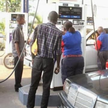 Malentendus entre les gouvernements provincial et national sur le prix du carburant