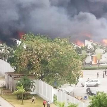 Incendie aux entrepôts de l'UNICEF à UTEXAFRICA