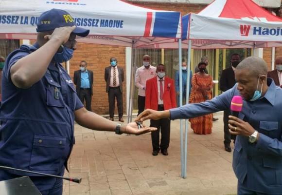 14 motos à la police du Nord-Kivu, don des établissements Nzoli