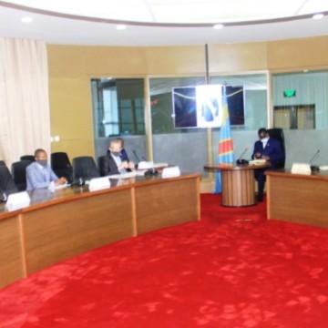 Le Premier ministre a échangé sur le désarmement, la démobilisation et la réinsertion des groupes armés avec les gouverneurs des provinces de l'Est de la RDC