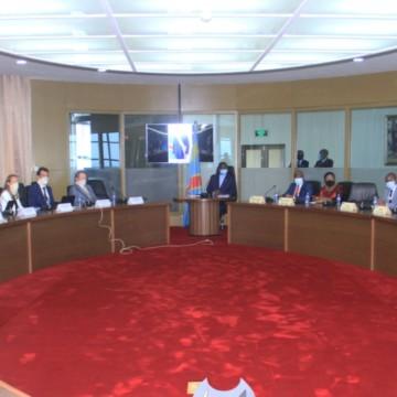 Experts congolais et délégation de Fortescue Metal Group en réunion à la primature