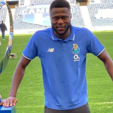 Chancel Mbemba élu Joueur Africain de l'année