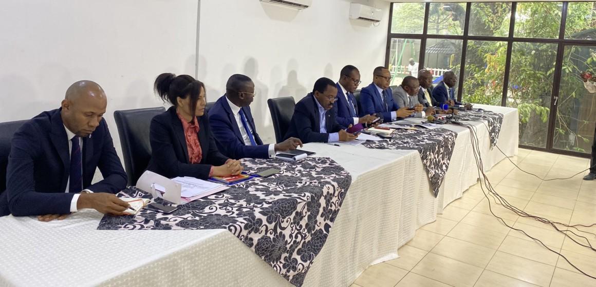 Le groupe de 13 parlementaires propose la présidentielle le 24 décembre 2023