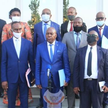 Les problèmes du Tanganyika examinés le 1er ministre Ilunkamba et les députés de la province