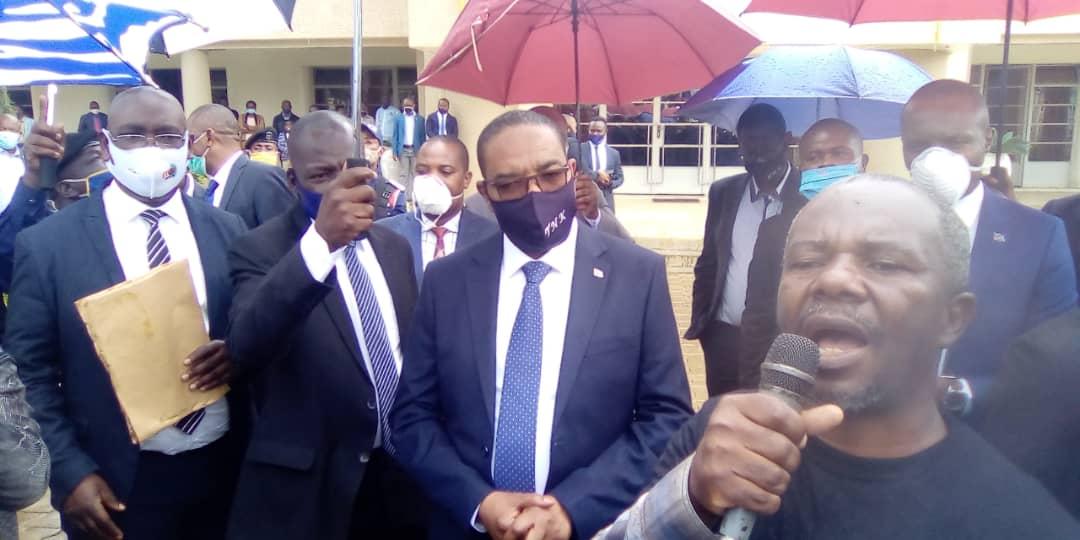 Sud-Kivu :10 présumés criminels présentés au gouverneur par la police