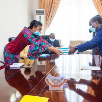 Sylvestre Ilunkamba a déposé le projet de budget 2021 à l'Assemblée nationale