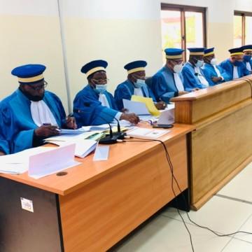 Les gouverneurs, Mukumadi et Walle, sortent la tête haute à la Cour constitutionnelle