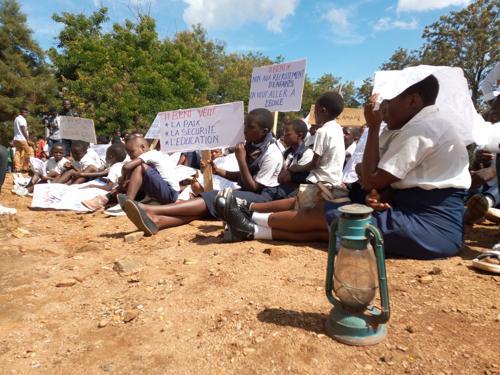 Beni : 13 enfants grièvement blessés, lors de leur déguerpissement de la mairie, JPCP hausse le ton