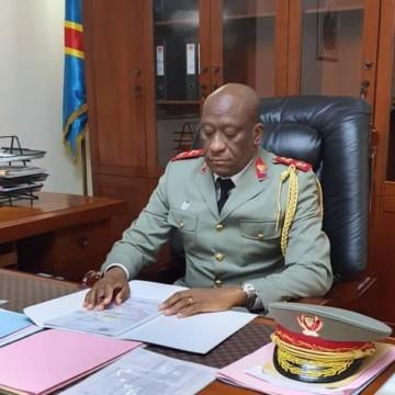 Ituri : le Lieutenant-Général Johnny Nkashama Luboya nouveau gouverneur dit venir pour imposer la paix