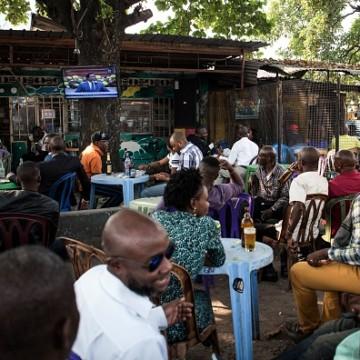 Covid-19 : vers une possible fermeture des bars et des églises à Kinshasa
