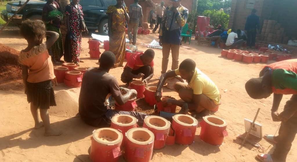 Kananga : Vanessa Bizoga s'investi dans la prise en charge économique des retournés d'Angola