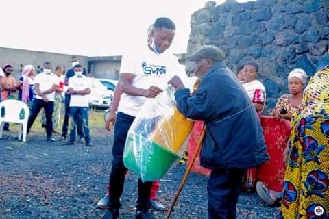 Nyiragongo : le journaliste Sammy Mufuni assiste les sinistrés les plus vulnérables