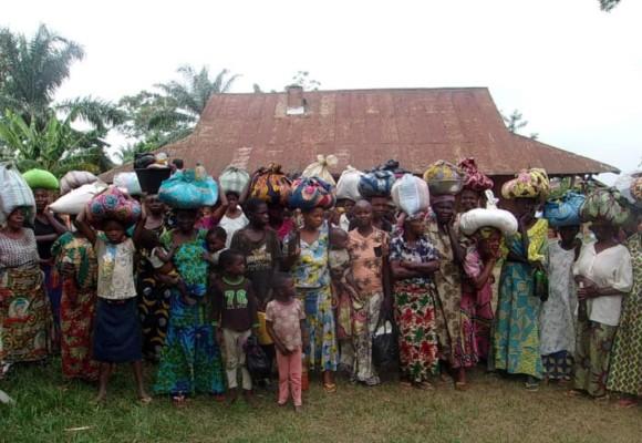 Kananga : le député provincial Kastin Katawa assiste les veuves et orphelins de Demba