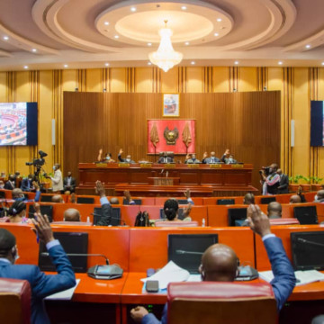 Sénat : Une commission spéciale pour sacrifier Matata Ponyo et Thambwe Mwamba