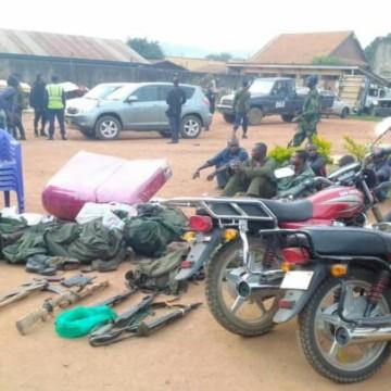 Beni : 18 autres personnes dont 7 militaires interpellées dans un bouclage