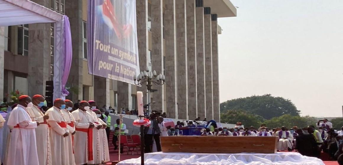 Félix Tshisekedi rendrea hommage au cardinal Monsengwo ce mardi au Palais du peuple