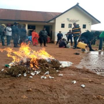 Beni : la Police interpelle 5 personnes dont un militaire et saisit des stupéfiants